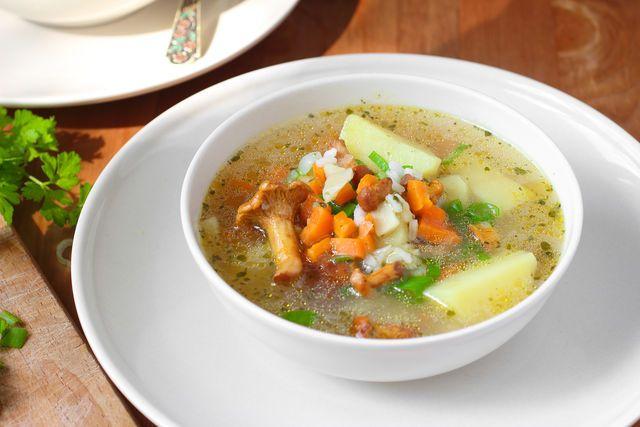 Ароматный суп из лисичек