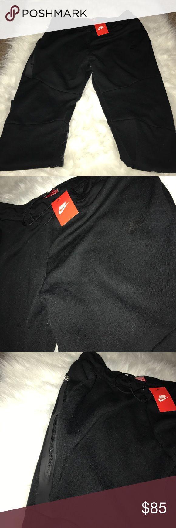 New Nike men's joggers tech black size xl New Nike men's joggers tech black size xl Nike Pants Sweatpants & Joggers