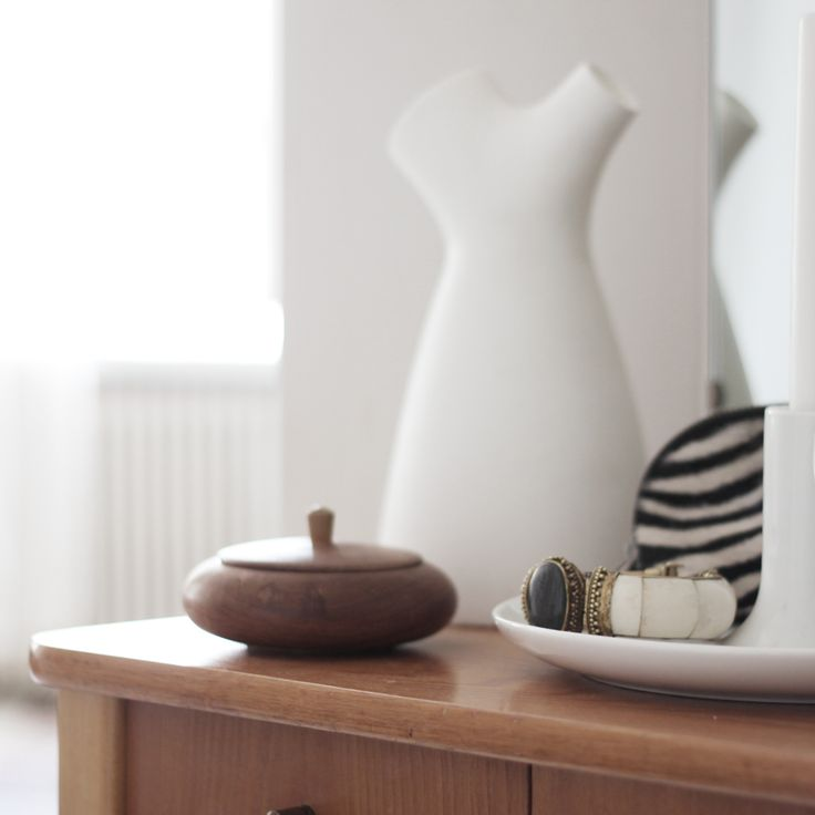 SEES <3 Flow jug by MUUTO