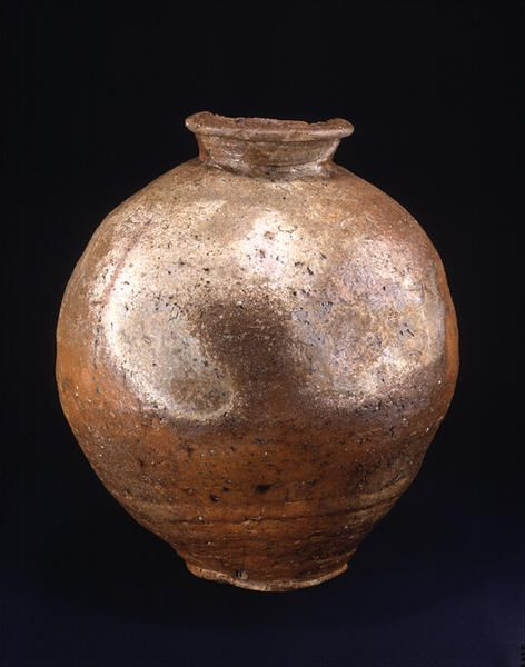Title Large Jar Provenance Shigaraki kiln, Shiga pref. Period Muromachi period Century 15c Materials Shigaraki ware Dimensions H-45.8 D-41