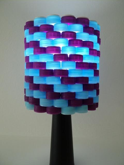 Blog de Decorar - luminária de tampas de garrafas pet