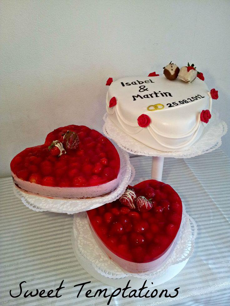 Strawberry Flavour Cake Images : Strawberry heart wedding cake - Weddingcake for a bride ...