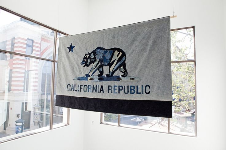 State flags representing the three office locales.Flags Repre, Stores Design, Interiors Design, States Flags, Design Inspo, Graphics Design, Selection Work, Flags Banne, Commercials Offices