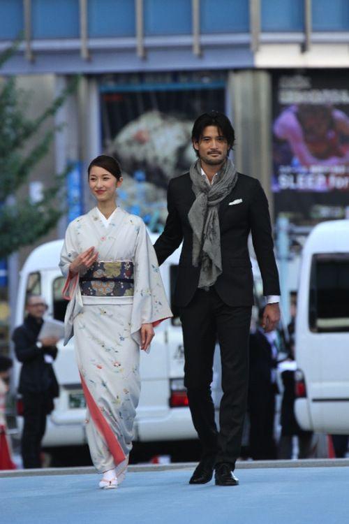 【画像 32/52】日本橋が着物ショーの舞台に「日本橋ランウェイ」新作50着を披露の拡大写真