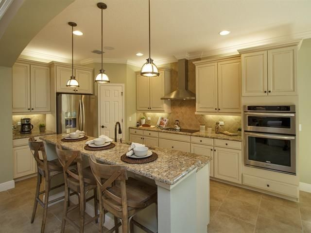 Best 25 Traditional Kitchens Ideas On Pinterest