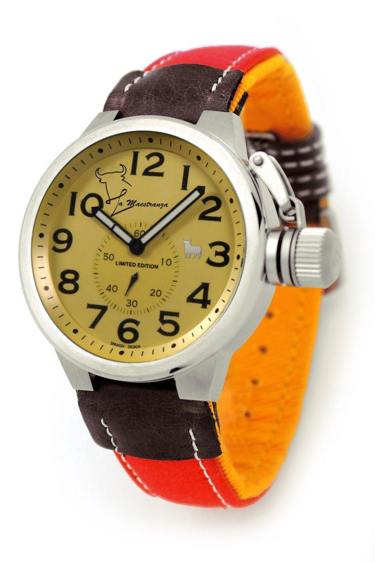 #Reloj Toro #Watch - Modelo TO-1171-2 Colección La Maestranza - Reloj con esfera de 46 mm de diámetro con caja de acero quirúrjico y correa de auténtica tela de muleta. Movimiento citizen-miyota, solo tempo, WR 5 ATM. Garantía de dos años -Tienda Oficial Online #Moda #Espana