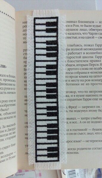 bookmak piano crossstitch