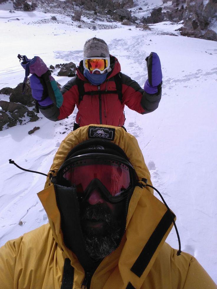 """Nuestro alumno de #CAFD, Daniel Ponce, tras el #UCV_retoaconcagua """"Ha sido la experiencia más extrema que he podido vivir, ha sido alucinante. Estábamos inmersos entre montañas de 5000m, Vientos muy fuertes, mucho frío y nieve. Éramos los mejores preparados después de nuestra aclimatación en los campamentos de altura pero la montaña fue implacable. No dejó subir a nadie. Nos quedamos a 6500m de altura, para mi eso ya es llegar a la cumbre"""""""
