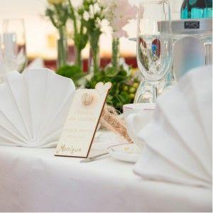 Individuelle Platzkarten / Tischkarten zur Hochzeit mit Reagenzglas zum Befüllen und zum Selbstbeschriften / Gravur // Vom bunten Kindergeburtstag bis hin zur festlichen Hochzeit - diese Tischkarte bzw. Platzkarte aus Holz ist die optimale Ergänzung zu Ihrer Tischdeko.