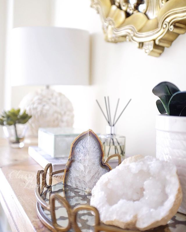 Agates And Geodes Are My Favourite Decorative Accessories The Crystals And Patterns They Form Are So Mesmerizing I Espec Home Decor Decor Home Decor Styles
