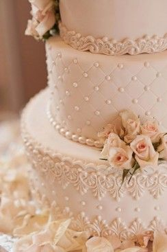 Classic Wedding Cakes - Belle The Magazine
