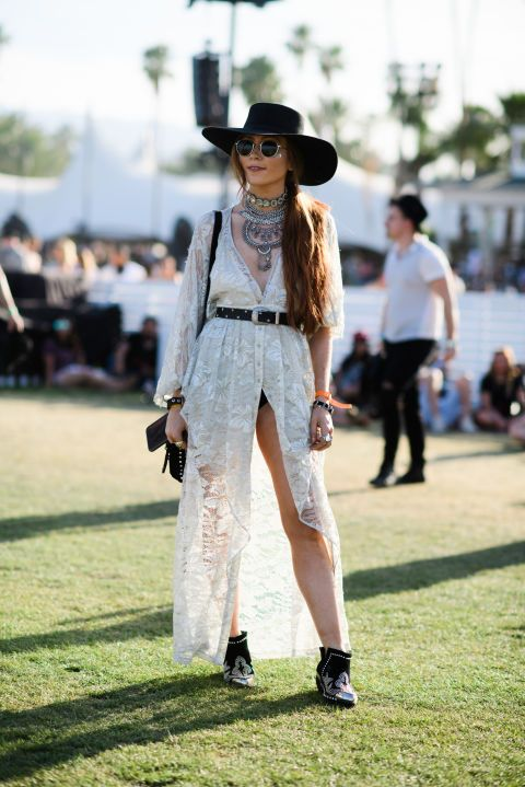 Spotted at Coachella: a flowing light day dress with some serious coin necklaces and a large brimmed western hat.