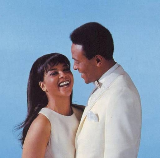 Tammi Terrell & Marvin Gaye such lovely music... now, together making heavenly music