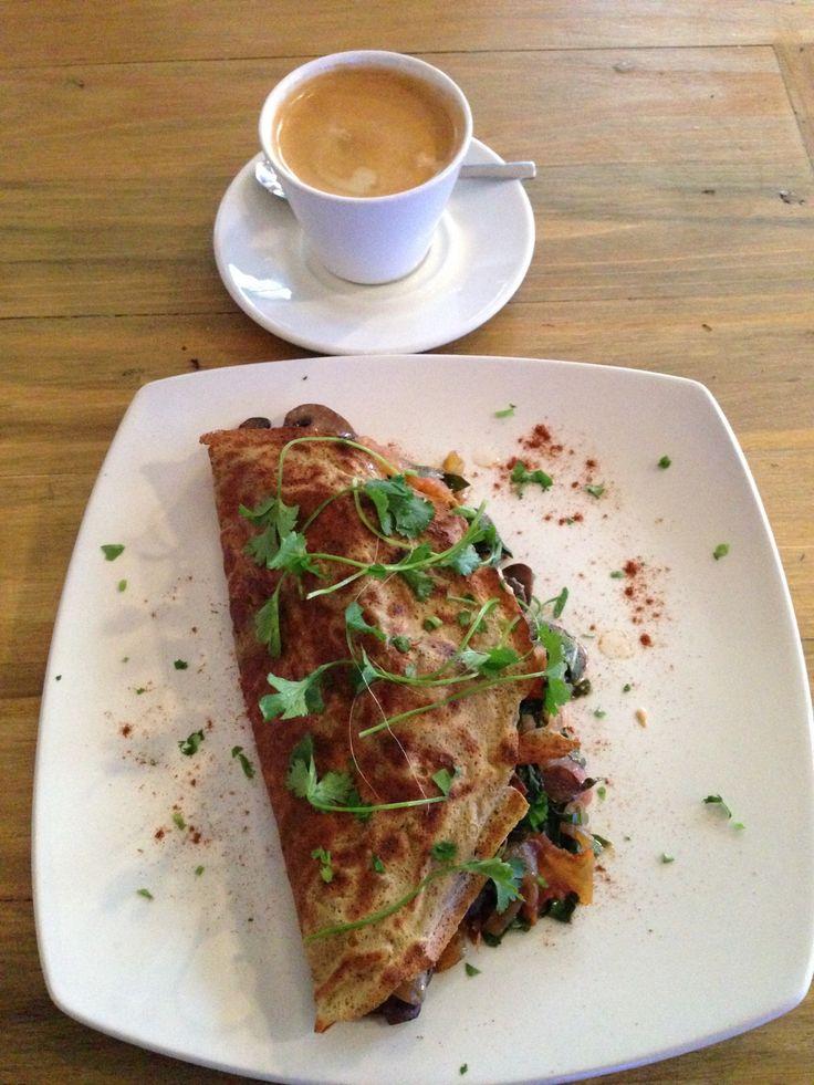 Breakfast special: omelette & americano.