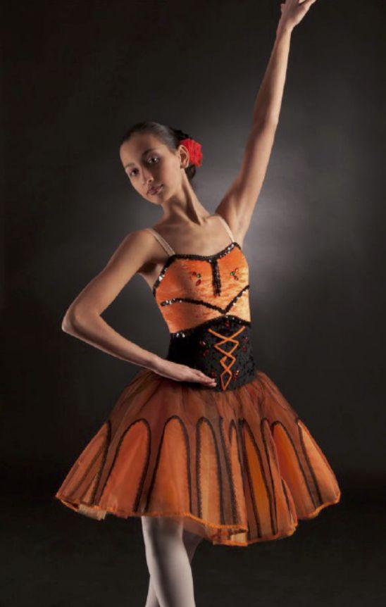 18 best Costumi-tutù images on Pinterest | Modern, Attitude und Tanzen