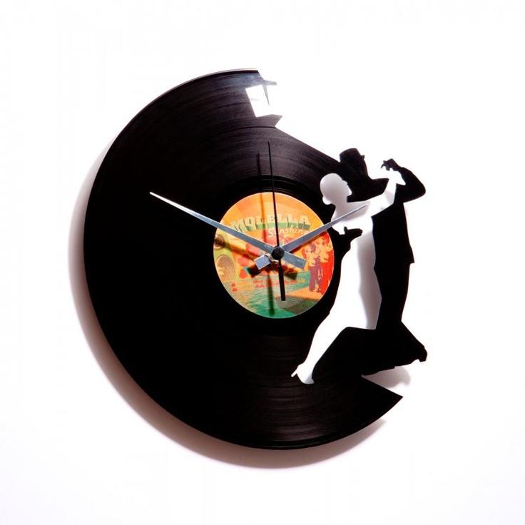 Die professionelle Art, Schallplatten zu verwerten - mit Hinweis auf den Inhalt, sozusagen http://www.discoclock.com/galleria/