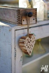 Simple touches for a rustic theme from Whispering Pines. I want one of these hearts for my home - Love it!