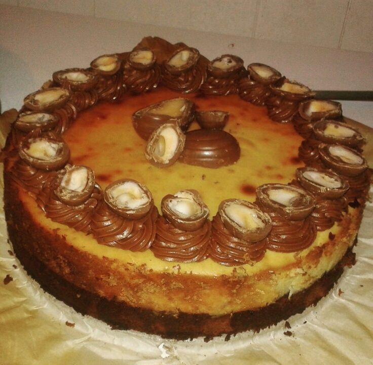 Creme Egg Cheesecake with Fudge Brownie Bottom