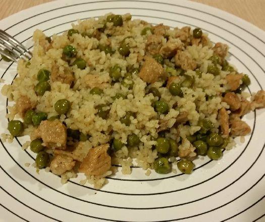 Egy finom Zöldborsós rizses hús ebédre vagy vacsorára? Zöldborsós rizses hús Receptek a Mindmegette.hu Recept gyűjteményében!