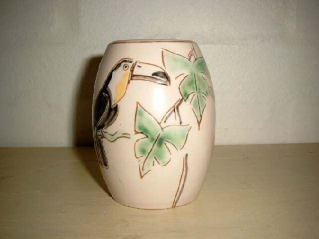 ESLAU vase - AGNETHE SØRENSEN. År/year 1940s. Sign: Eslau Nethe. #Eslau #Nethe #vase #keramik #ceramics #pottery #danishdesign #nordicdesign #klitgaarden. SOLGT/SOLD from www.klitgaarden.net.