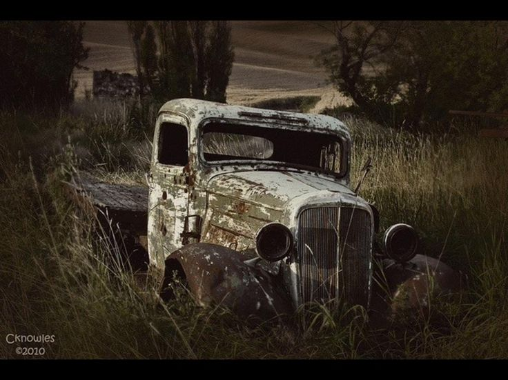78+ images about Old Forgotten Cars, Barn Finds & Salvage ...