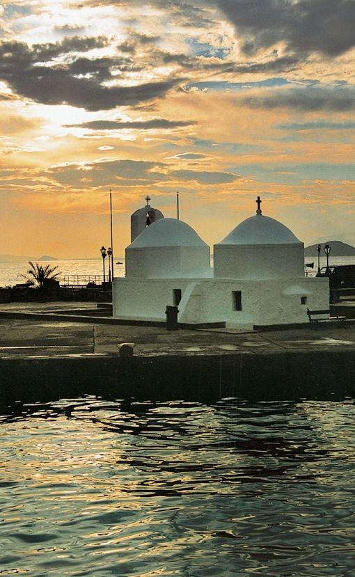 Agios Nikolaos Thalassinos Church greets you while entering Aegina Port (Walking Athens, Aegina - r.28)