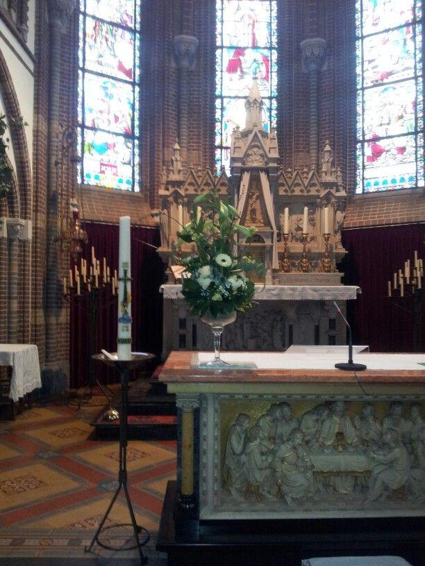 Altaar stuk voor het kerkje in Nederwetten.