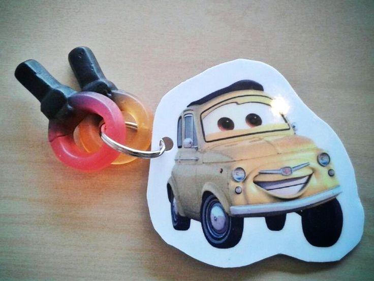 Leuke traktatie voor een auto (cars) feestje...voor een jongen sleutelhanger laten maken + sleutelsnoepjes