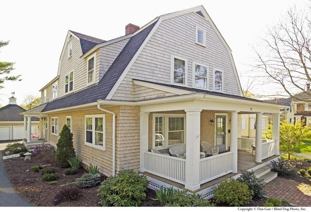 20 best gambrel homes images on pinterest for How big is a square of siding