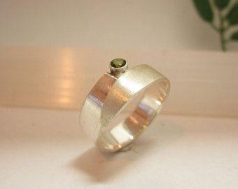 zilveren ring met peridoot edelsteen van Karen Klein edelsmid