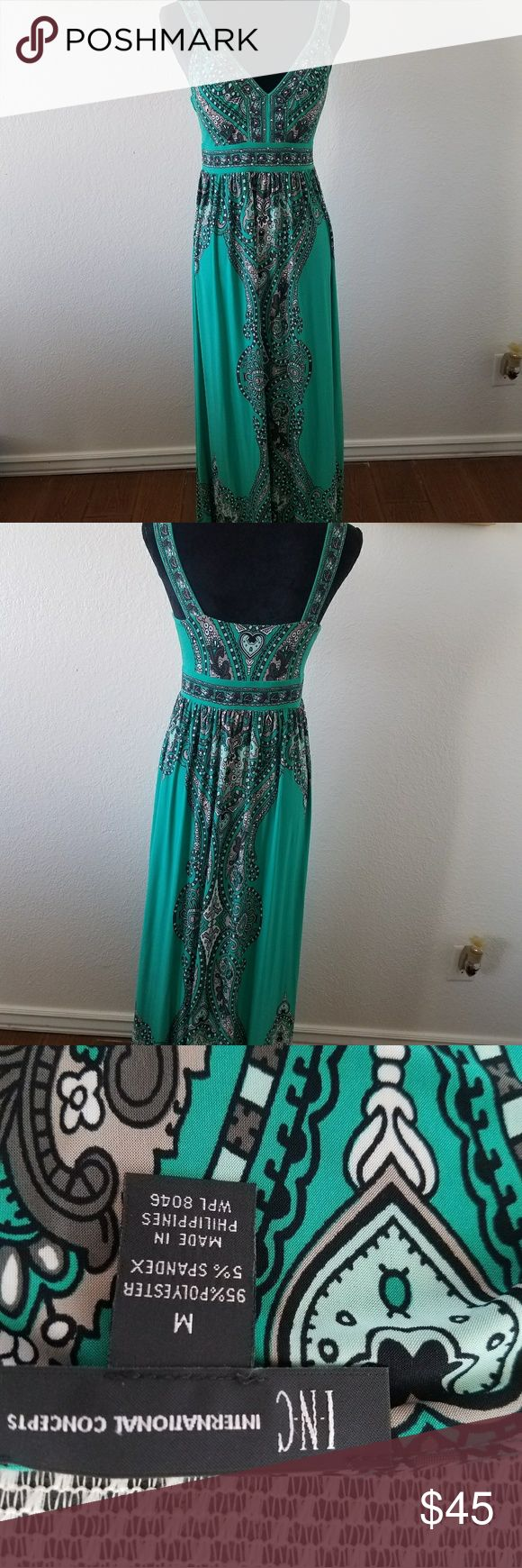 Sleeveless maxi dress. Purchased from Macy's, vibrant turquoise maxi dress with built-in bra. Worn only a few times excellent condition. Dresses Maxi