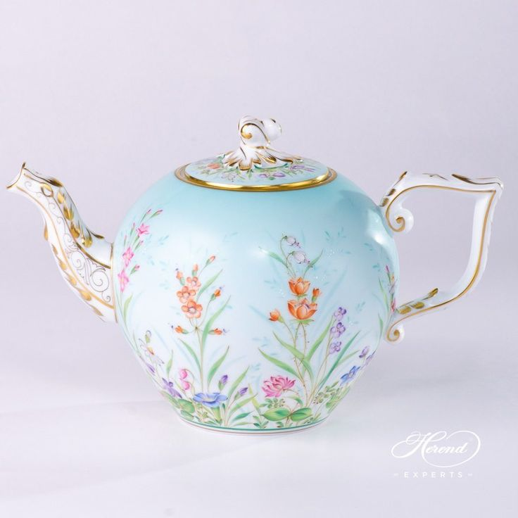 Herend porcelain Tea Pot with Twisted Knob – Herend Four Seasons QS pattern. 1 pc – Tea Pot – vol 1.0 liter (33 OZ) 20605-0-06 QS – Sky Blue Four Seasons (Quatre Saisons) pattern is one of the most requested decors. Four Seasons QS pattern is painted only by Master Painters. Four Seasons is a modern Herend decor on Sky …