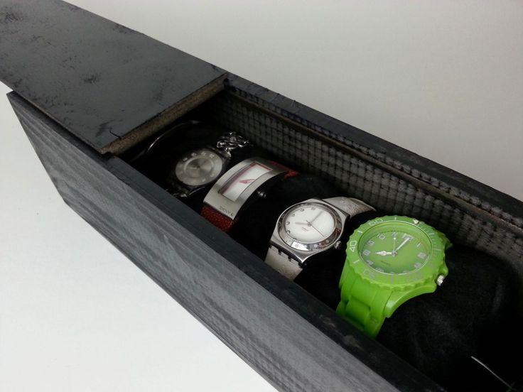 DIY organizar relojes con caja de vino
