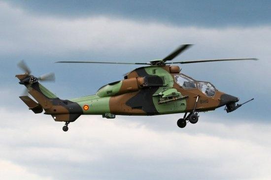 Foto de un helicóptero de combate Tigre del Ejército de Tierra de España en la ficción de @lamarcadeodin