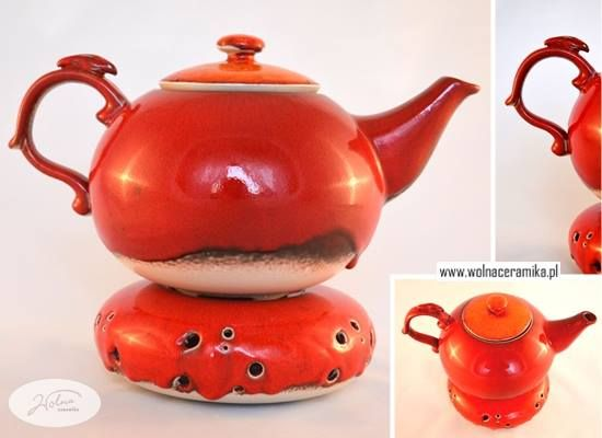 Pottery kettle with heater.