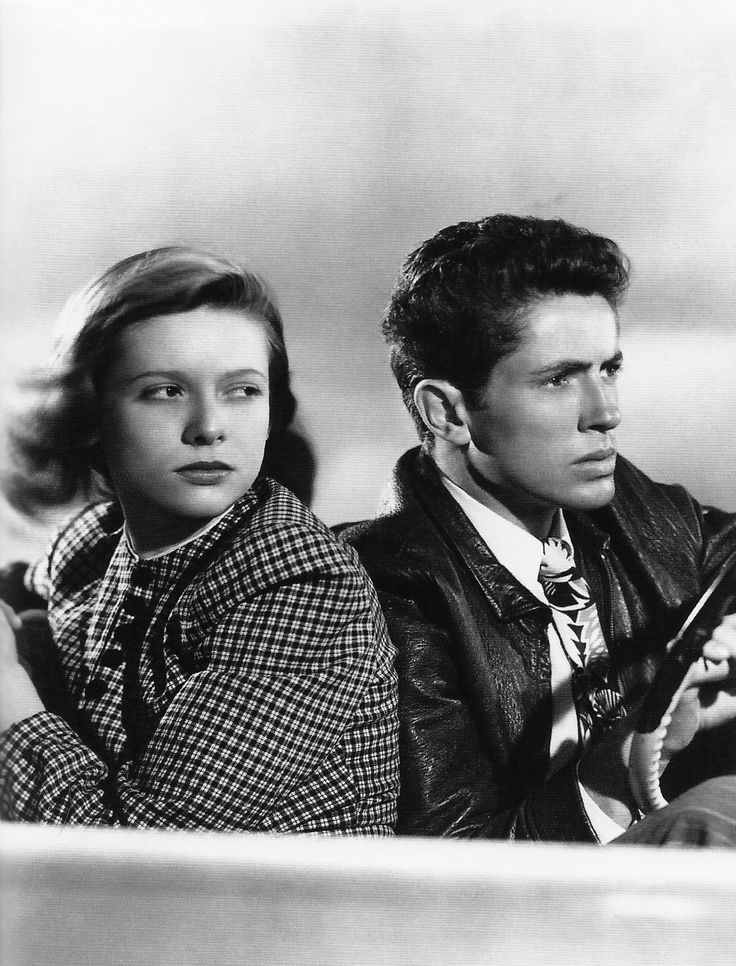Cathy O'Donnell and Farley Granger in They Live By Night, 1949