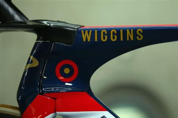 3ders.org - Sir Bradley Wiggins breaks cycling's hour record with 3D printed handlebars | 3D Printer News & 3D Printing News