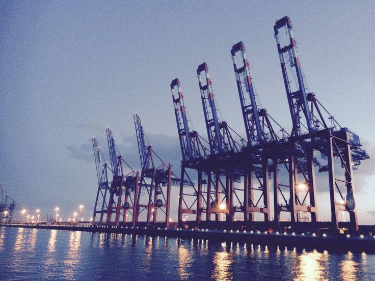 hamburg harbour #gotripit #hamburg #hamburgwithkids #travelwithkids