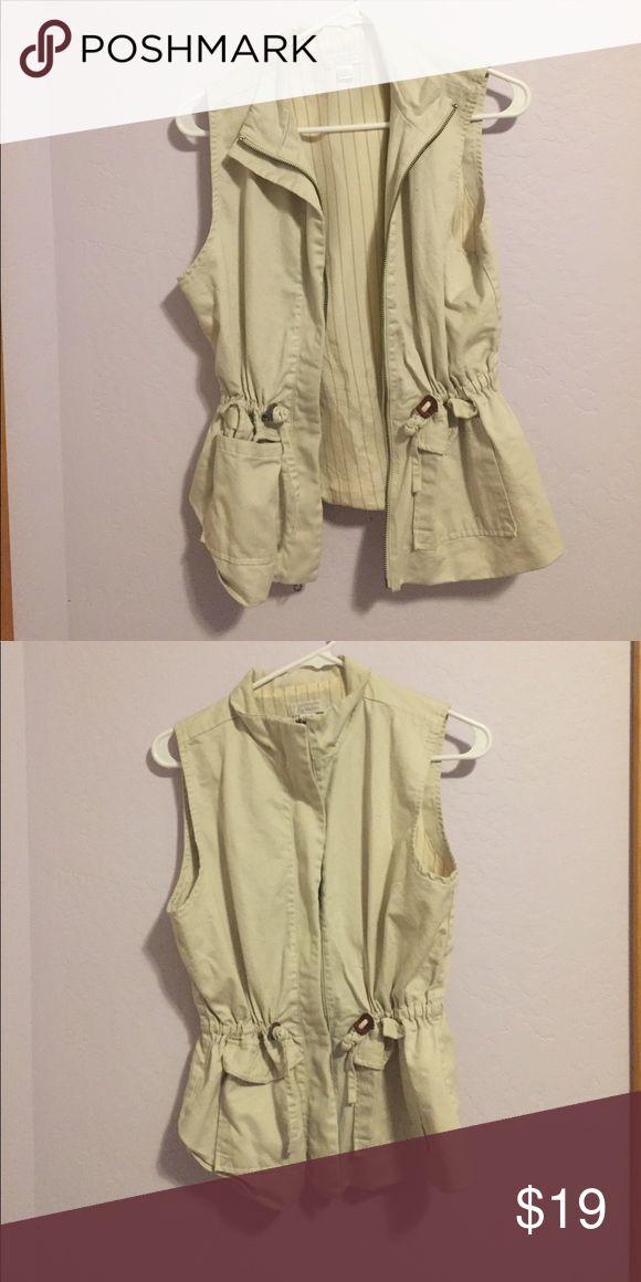Christopher & Banks Vest Cream zip up vest like new Christopher & Banks Jackets & Coats Vests