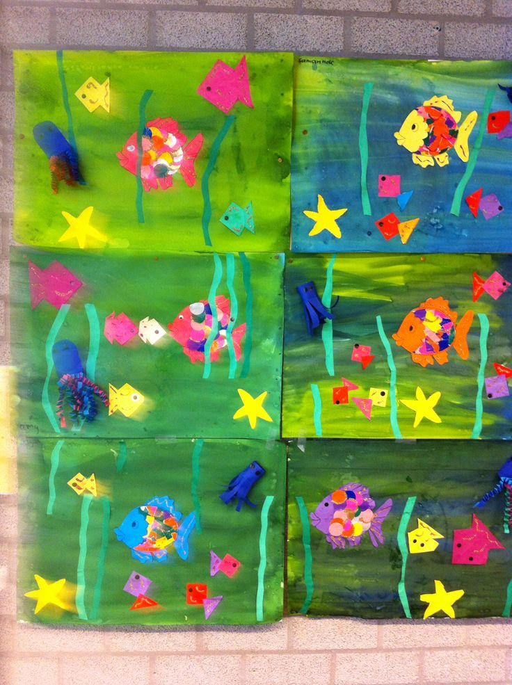 """N.a.v. het prentenboek De mooiste vis van de Zee. Hebben de kinderen de zee geschilderd, zeester geprikt, visjes gevouwen, inktvis met tentakels van """"muizentrappetjes""""of bij kinderen uit groep 1, tentakels inknippen. En natuurlijk de mooiste vis van de zee gemaakt."""
