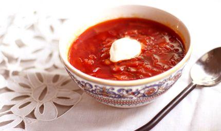 Mai assaggiato il Borsch? Si gusta dalla #Polonia alla #Russia, bollente o freddo, a base di barbabietole e crauti... Genuino, sfizioso, lievemente agrodolce. Da provare! #ricetta #chefboris