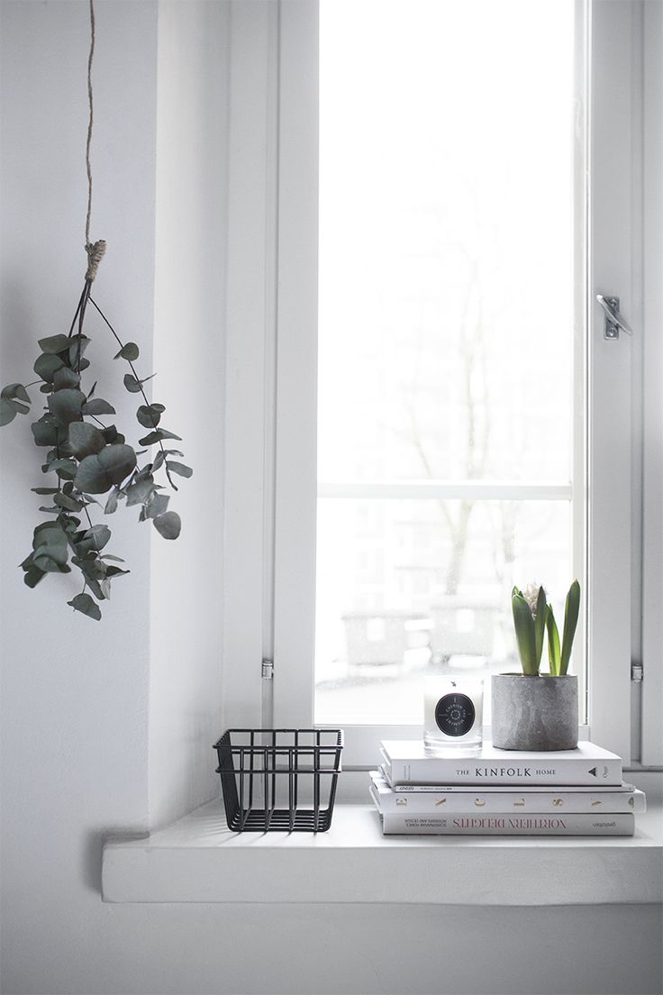 Pihkala: IKKUNALAUDALLA | Window decor | home decor details