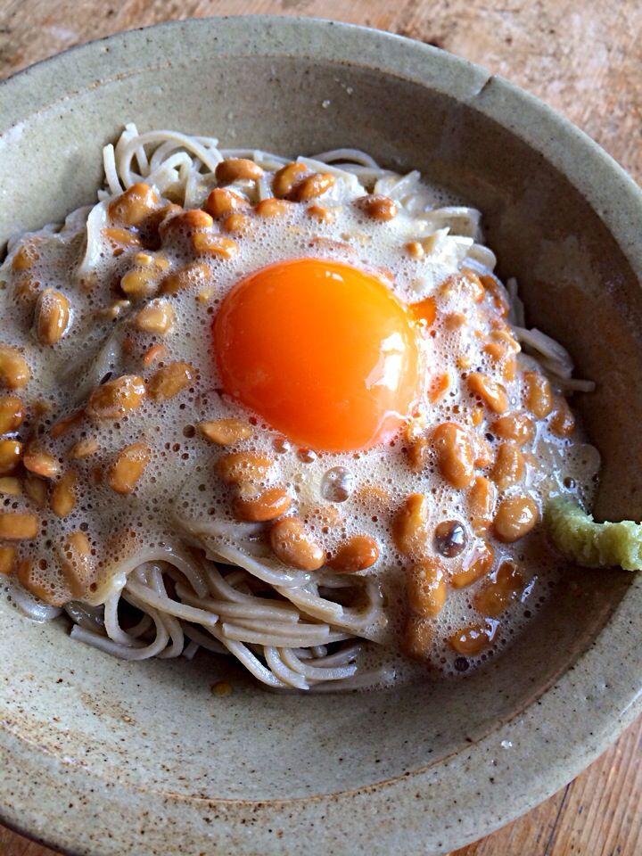 応用編、納豆玉子蕎麦‼︎ by Yoshinobu Nakagawa at 2014-1-5