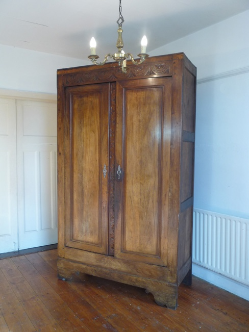 Provincial French Armoire Www.dazzlevintagefurniture.co.uk