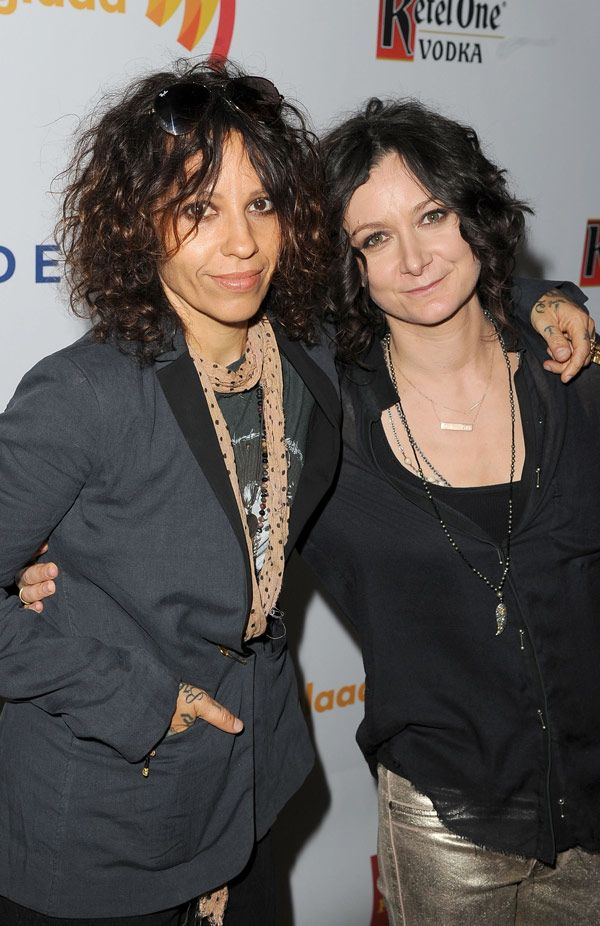 Linda Perry: 5 Things To Know About Sara Gilbert%u2019s New�Wife