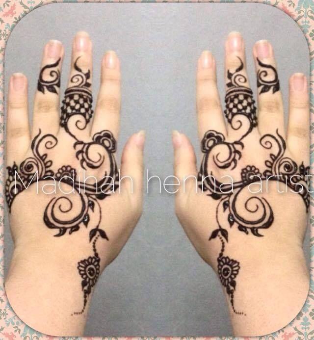 https://www.facebook.com/HennaDesigns.Arabic.and.Indian/photos/ms.c.eJxFjNsNACAMAjcy~_Cq4~