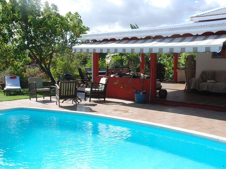 6 bedroom (1 bedrooom is a twin) in St François. $2037.93 for 7 nights. Pool & walk to beach