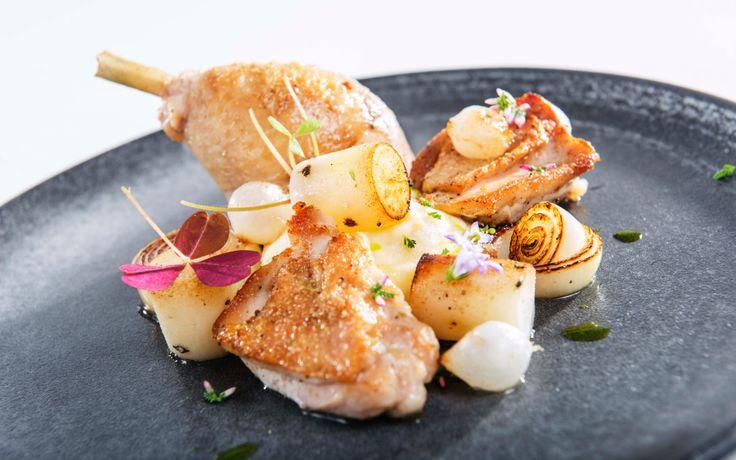 Oppskrift på Helstekt kylling med pisket kryddersmør
