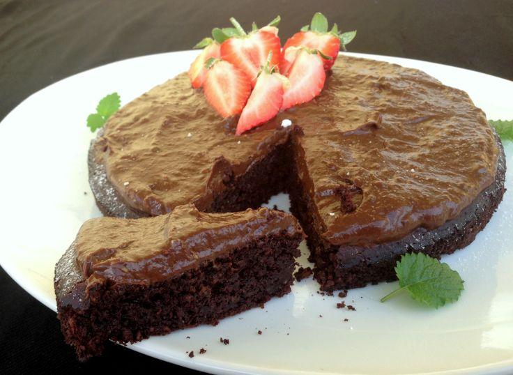Saftig sjokoladekake - glutenfri, sukkerfri og laktosefri