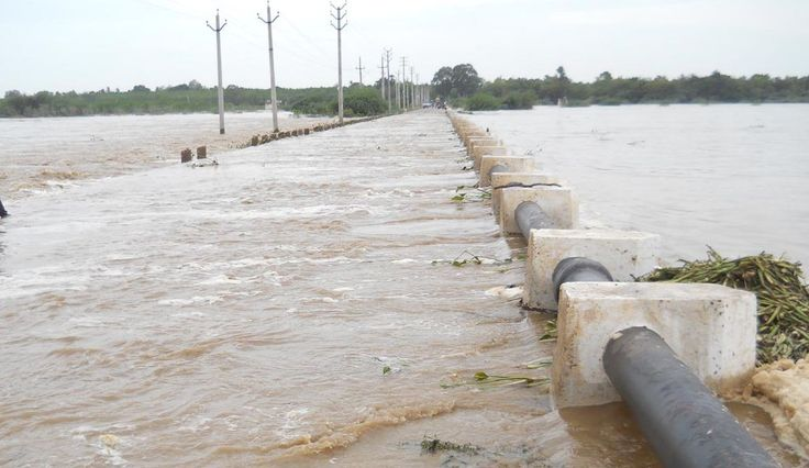 Flood threat in AP, Telangana as Godavari overflows Read complete story click here http://www.thehansindia.com/posts/index/2015-06-22/Flood-threat-in-AP-Telangana-as-Godavari-overflows-158724